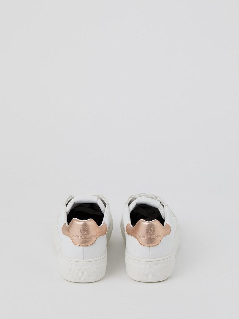 Women's Sneaker T1600
